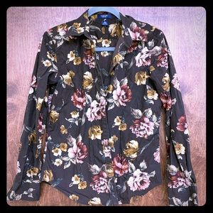 Brown Roses Button Down